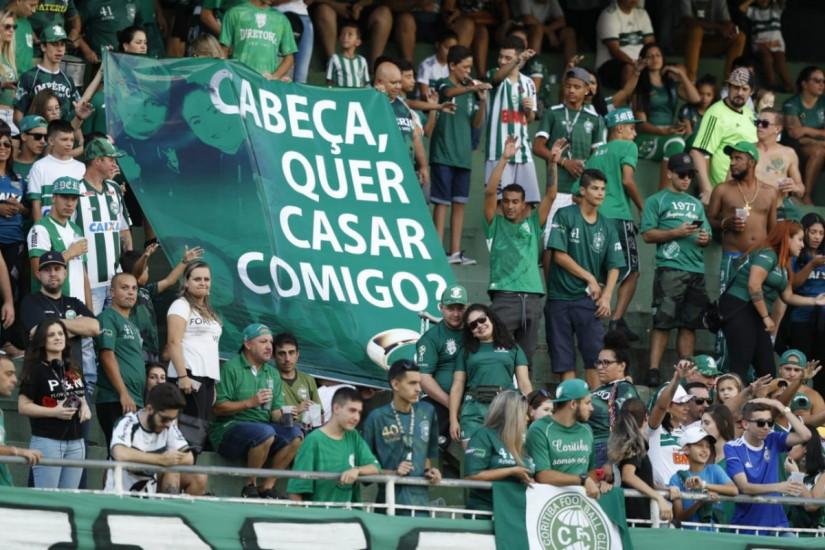 Futebol unindo corações: torcedora do Coritiba pede ...