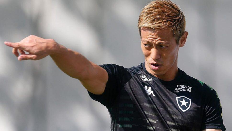 Keisuke Honda, meia do Botafogo. Imagem: Instagram/Botafogo