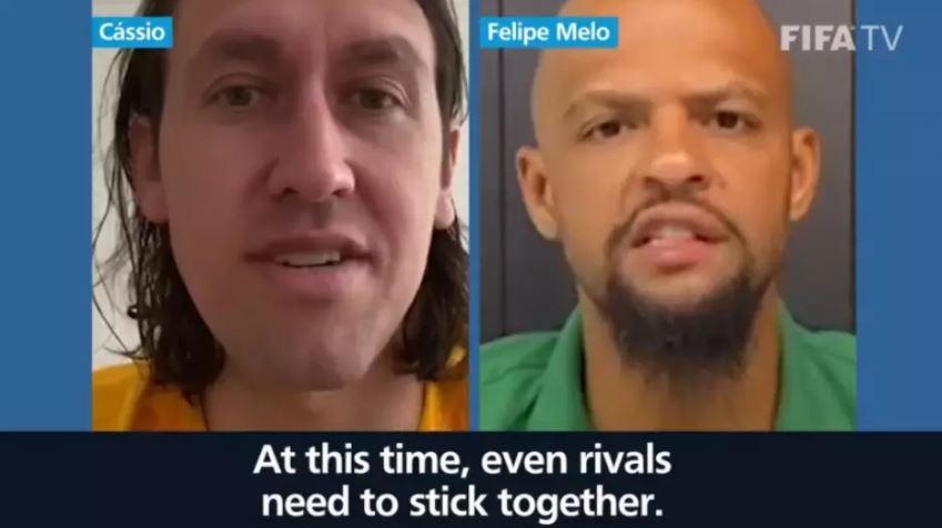 Cássio e Felipe Melo em ação da FIFA. Imagem: Reprodução/Twitter FIFA.