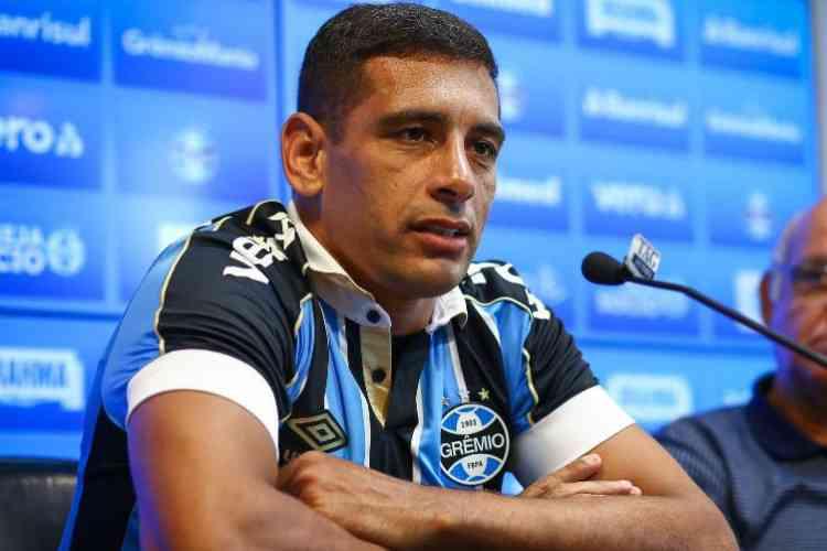 Diego Souza e mais dois funcionários do Grêmio testaram positivo para o coronavírus (Foto: Lucas Uebel/Grêmio FBPA)