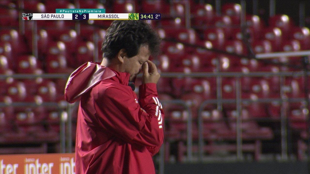 Diniz, técnico do São Paulo, em jogo contra Mirassol. Imagem: Reprodução/Sportv